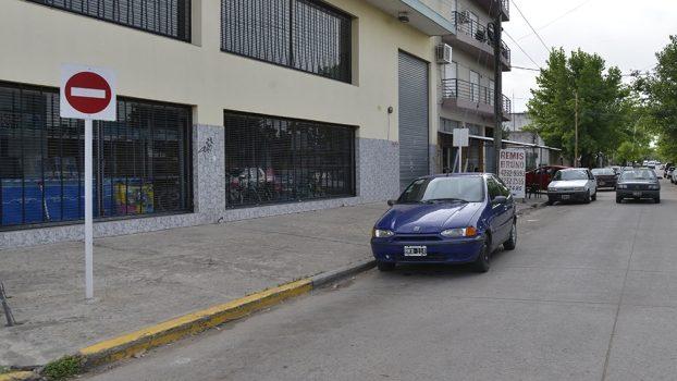 EE COMENZÓ A REGIR EL SENTIDO ÚNICO DE CIRCULACIÓN EN CALLE EVITA 1