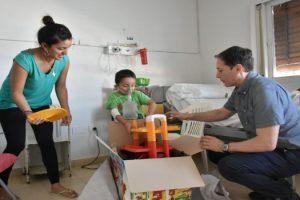 EE FERNANDO GRAY ENTREGÓ JUGUETES EN EL HOSPITAL SANTAMARINA 2