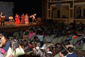 MGP - Cupara chicos de distintos barrios en obras del Teatro Colon