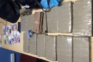 MS detención 12 panes de marihuana. San Nicolás (1)